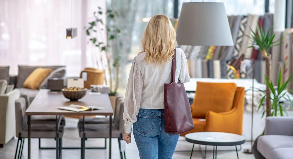 Should I Choose a Local or National Furniture Company?